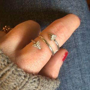Stella and Dot Winding Arrow Ring